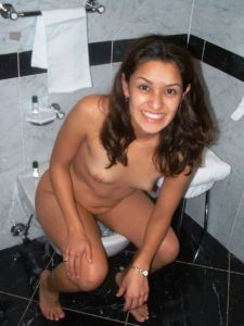 Desi girl in bathroom