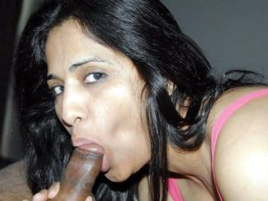 Desi girl taking dick in her mouth