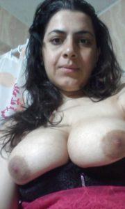 Desi indian bhabhi naked pic
