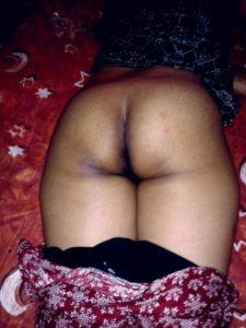 Desi nude big bum