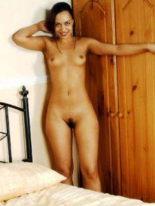 Desi slim girl full nude