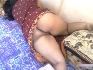 Dssi aunty naked bum pic