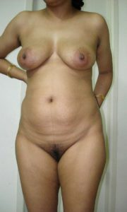 Full nude desi aunty pic