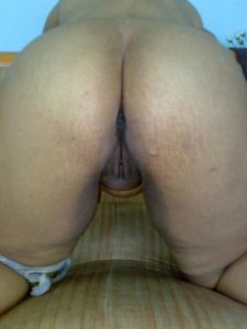Naked booty aunty xx pic