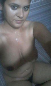 Sexy desi Hottie babbe boobs