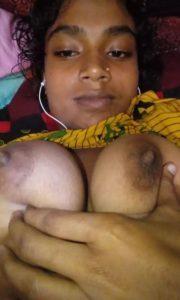 Aunty desi boobs photo