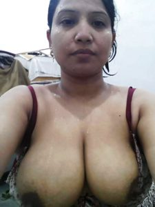 Aunty desi indian naked xx tit