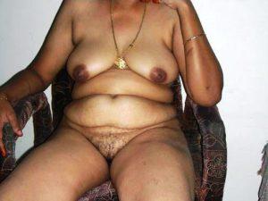 Aunty desi naked indian photo