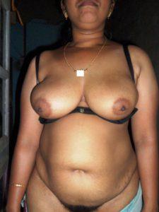 Big boobs desi nude aunty