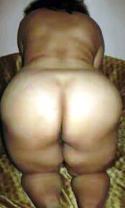 Big round desi naked gand