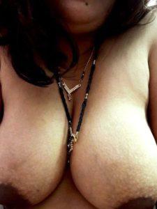 Desi aunty boobs nude xx