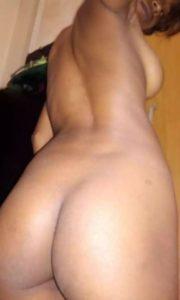 Desi aunty nakes ass