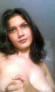 Desi round naked nipple boobs