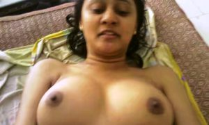 Teen desi indian hot babe boobs