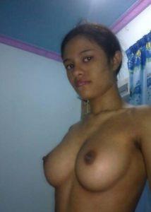 Aunty boobs nude
