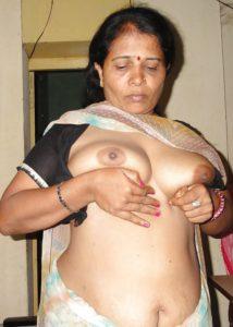 Aunty desi naked photo