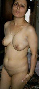 Aunty desi nude boobs