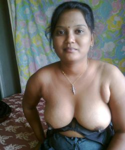 Dedi aunty nude big boobs