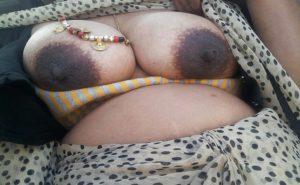 Dedi dark nipple boobs