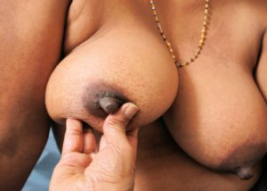 Desi aunty nude boobs