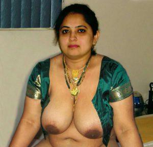 Indian aunty boobs photo