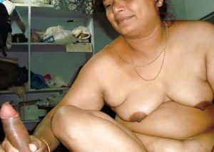 Indian aunty naked photo