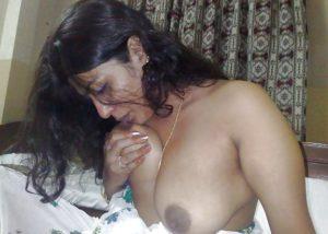 Indian bhabhi boobs