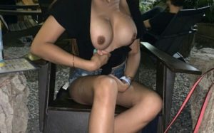 Indian naked desi hot boobs pic