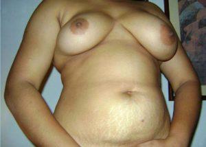 Nude Hottie desi tits