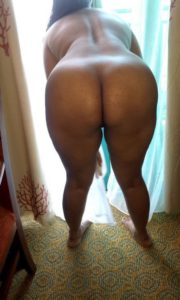 Nude aunty gand pic