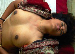 Nude desi indian hottie