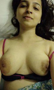 Round desi nude boobs