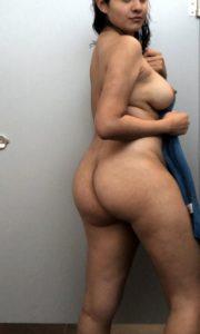 Sexy desi round ass photo