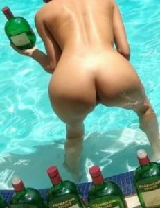 Sexy slim babe naked round ass