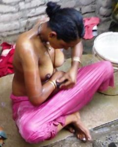 desi naked bhabhi hot bath