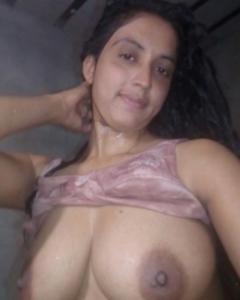 indian nude boobs photo