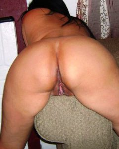 Big ass desi nude aunty