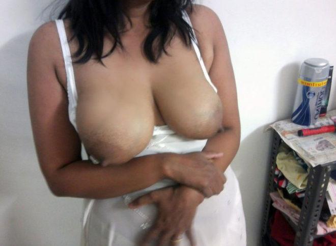 Busty wife nude