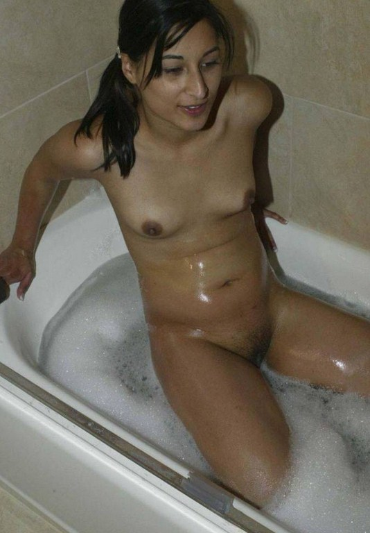 nude girls indian bath young