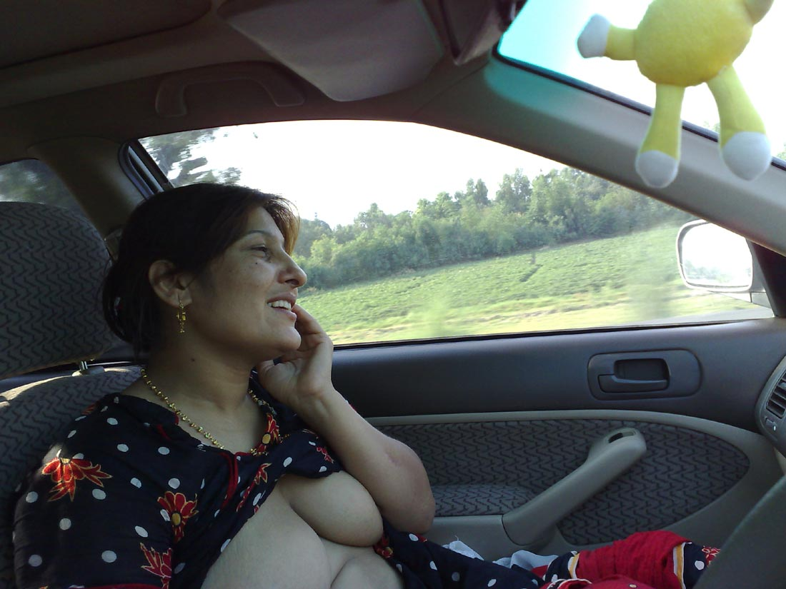 nude desi girl in car