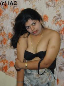 hot indian bhabhi gallery