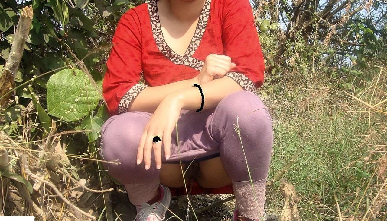Desi Indian Pissing Chut Images-6927