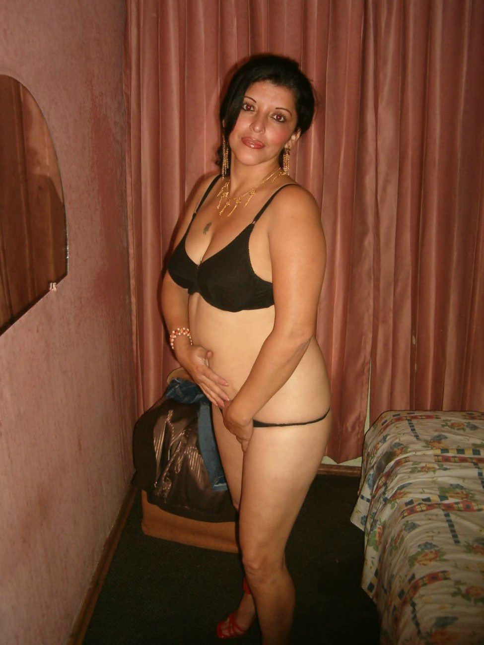 totaly nude indian girls