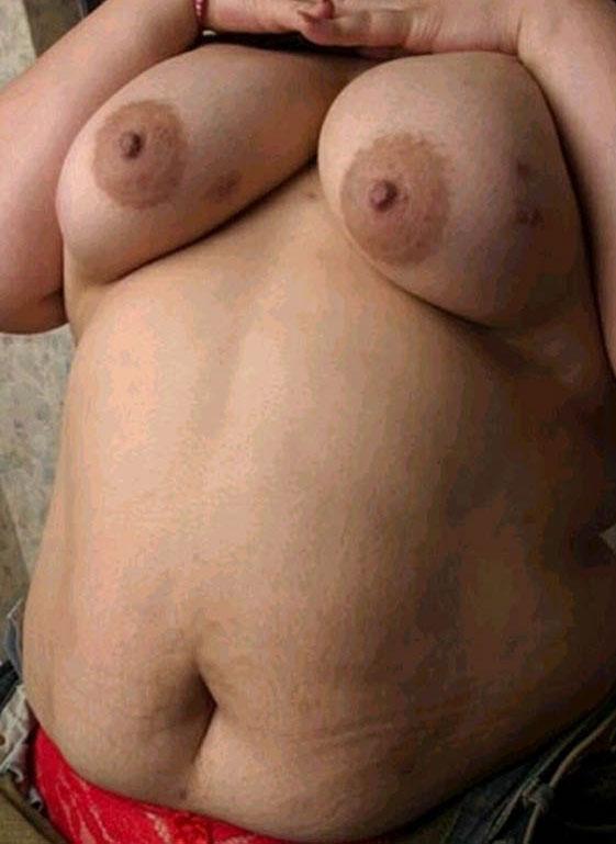 thai boy posing naked porn