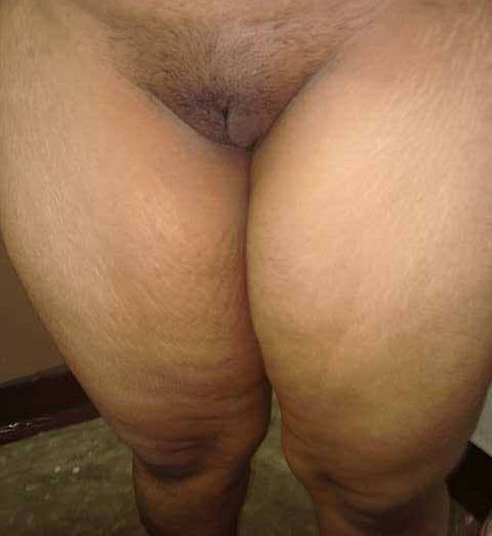 nude hot amature pyramid pussy wet desi aunty