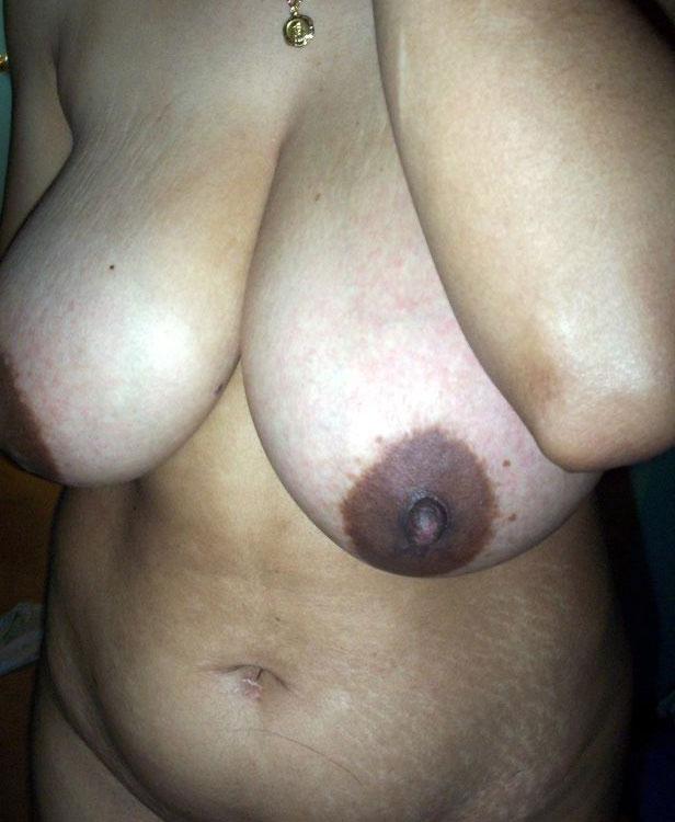 Sexy naked girls doing split