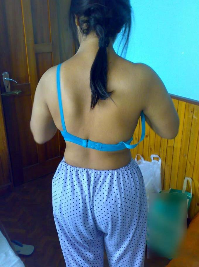 Indian College Girls New Leaked Nude Pics-9923